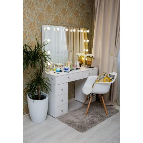 Туалетный столик с безрамным зеркалом и подсветкой 80х120